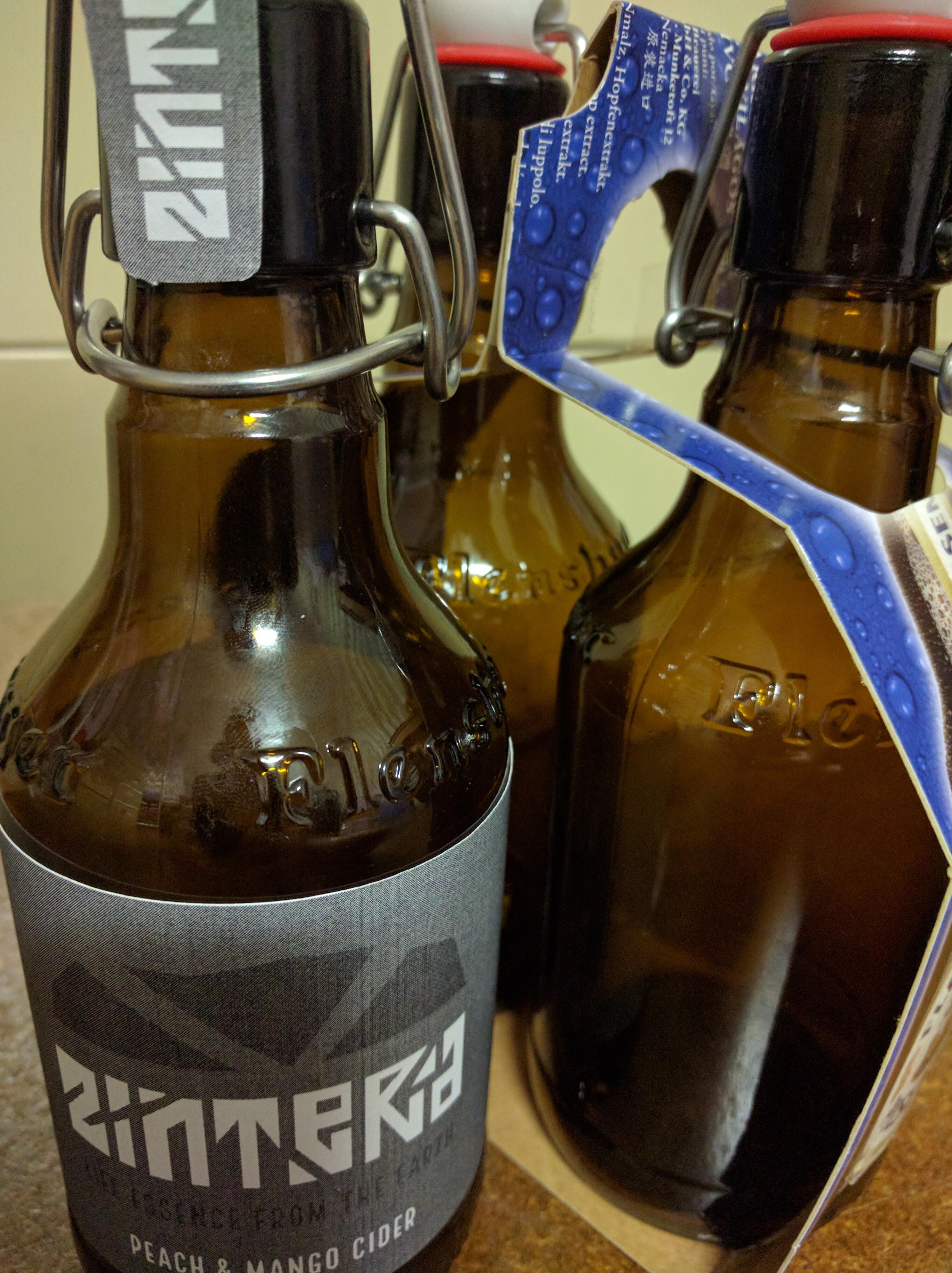 Cider Packaging Mockup